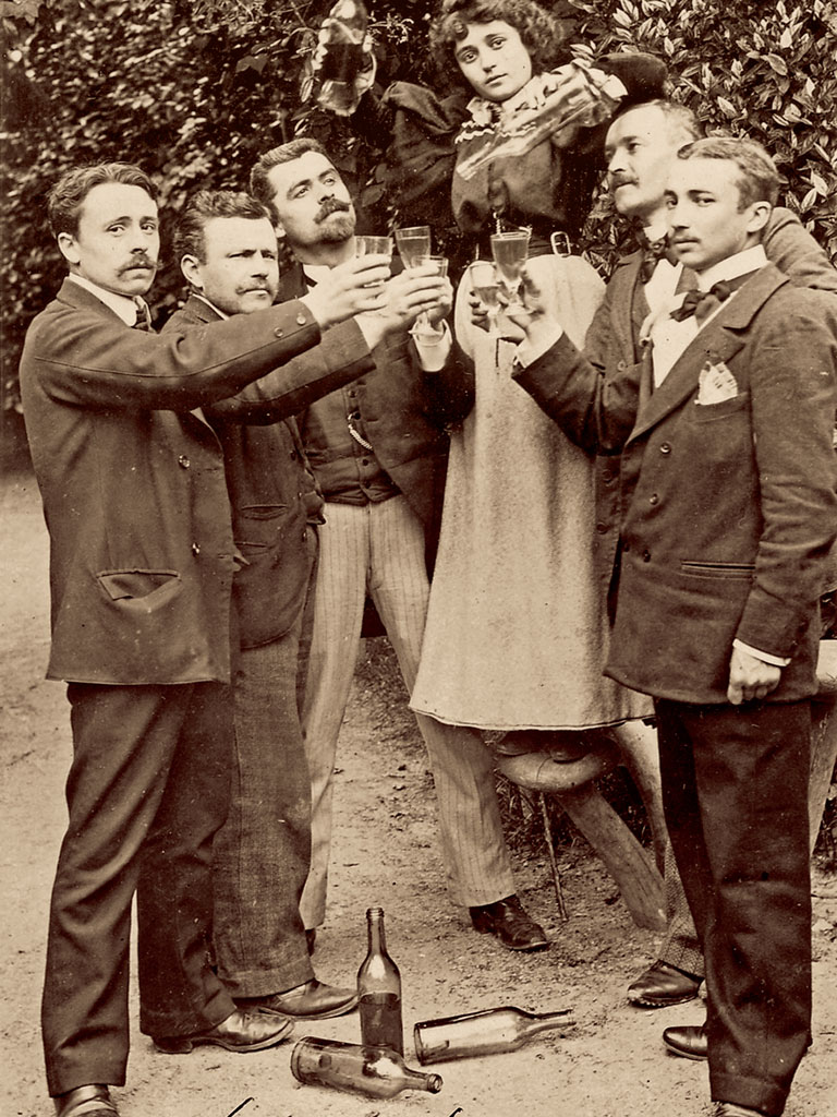 Despite having die-hard enthusiasts, the drink was banned in 1910. Photo by: David Nathan-Maister/Contributor/SSPL/Getty Images