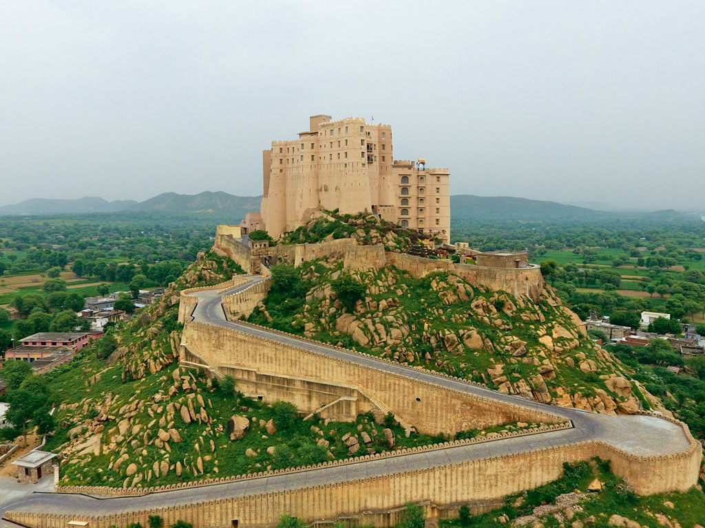 The Alila Fort Bishangarh, about a two-hour drive north of Jaipur, towers over the surrounding landscape like something out of a Walt Disney fairy-tale movie. Photo courtesy: Alila Fort Bishangarh