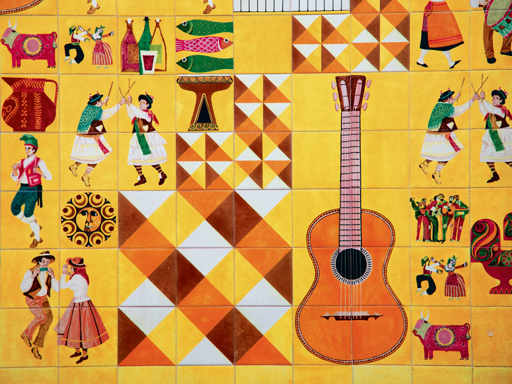 Tile decoration in Adega Machado restaurant, Lisbon. Photo by: Holger Leue/Lonely Planet Images/Getty Images