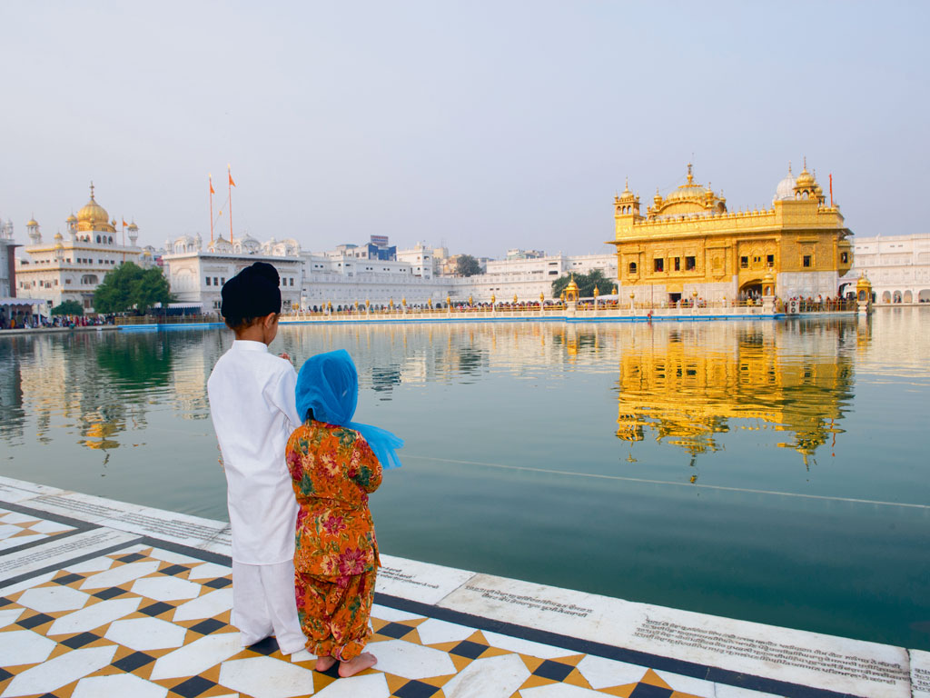 Soak in the serenity of the Golden Temple. Photo by: Urvashi Makwana