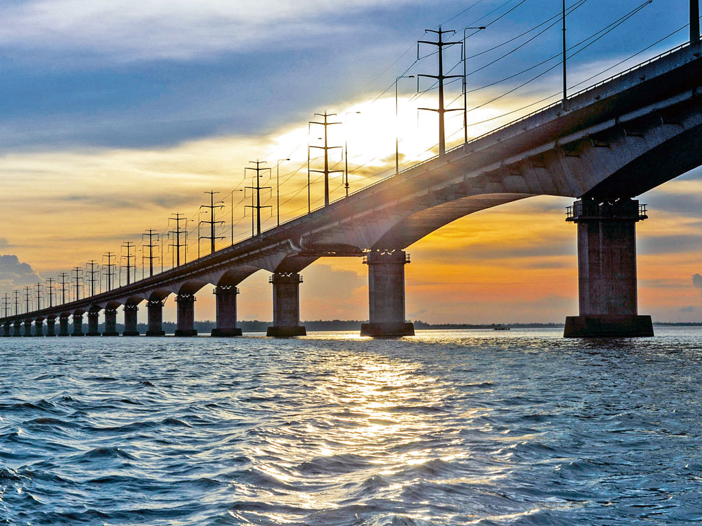 The Bangabandhu bridge connects the Jamuna's east and west banks. Photo by: Towfiqu Photography/Moment/Getty Images