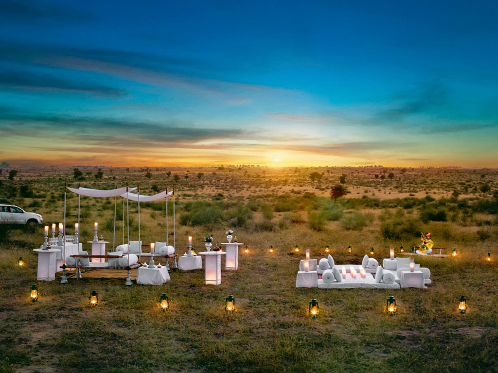 Narendra Bhawan organises sundowners in truly picturesque settings in the heartland of Bikaner's desert, dotted with lush oases. Photo Courtesy: Narendra Bhawan