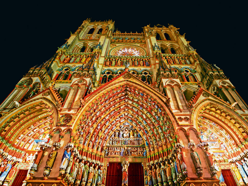 The Cathédrale Notre-Dame d'Amiens has complex carvings that depict biblical scenes. Photo by: Picardy Tourism