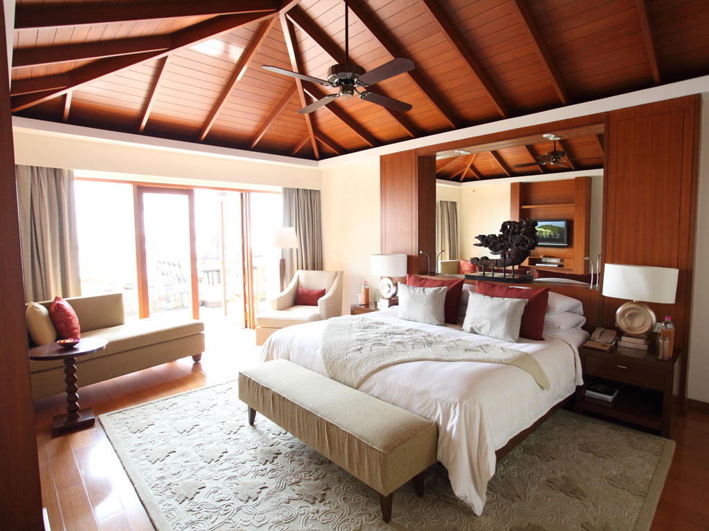 All rooms in Ananda afford breathtaking views and are equipped with settees, ideal to put your feet up and catch up on some reading or nurse a cuppa. Photo Courtesy: Ananda in the Himalayas