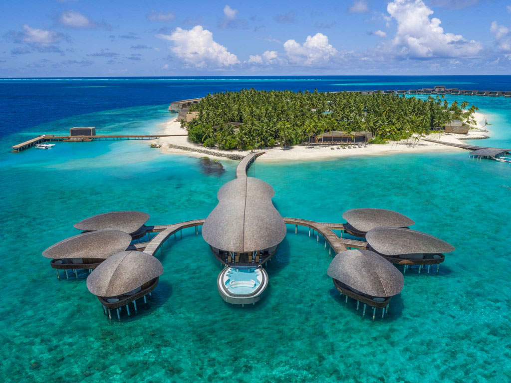The Art of Idling in Maldives 1