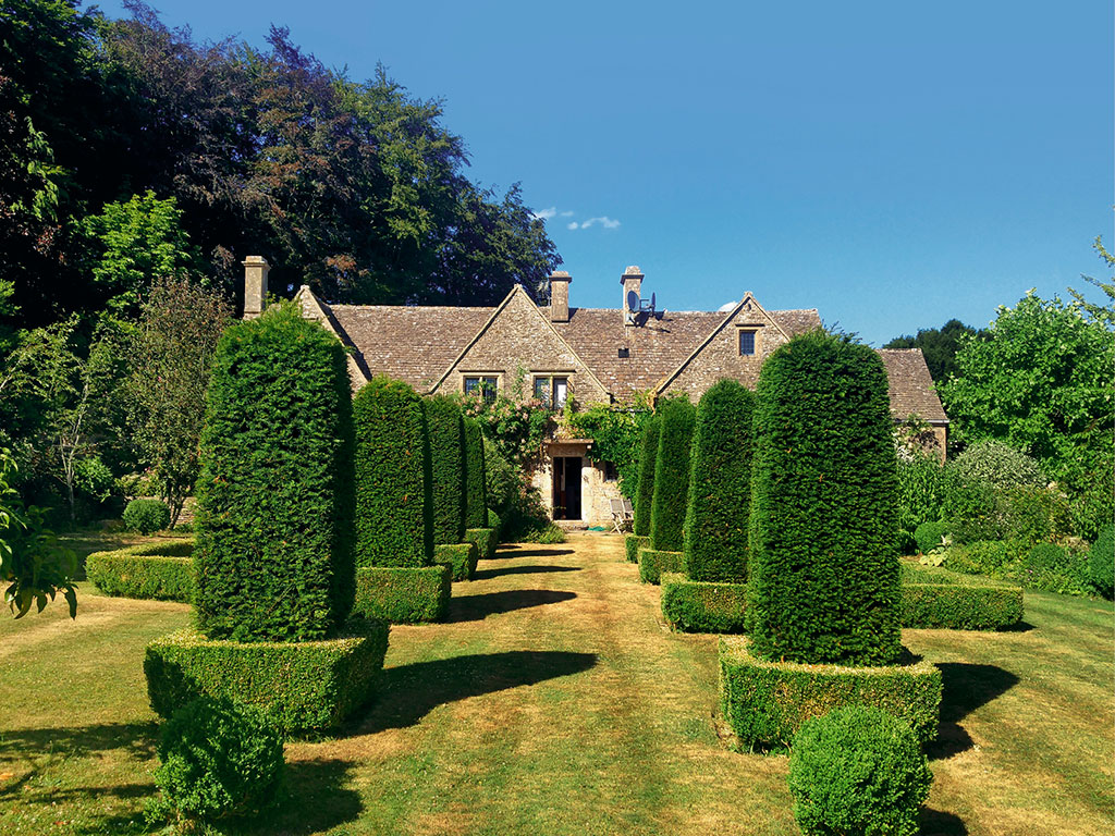 Heritage Stay | The Luxuries of a Storybook English Manor 1