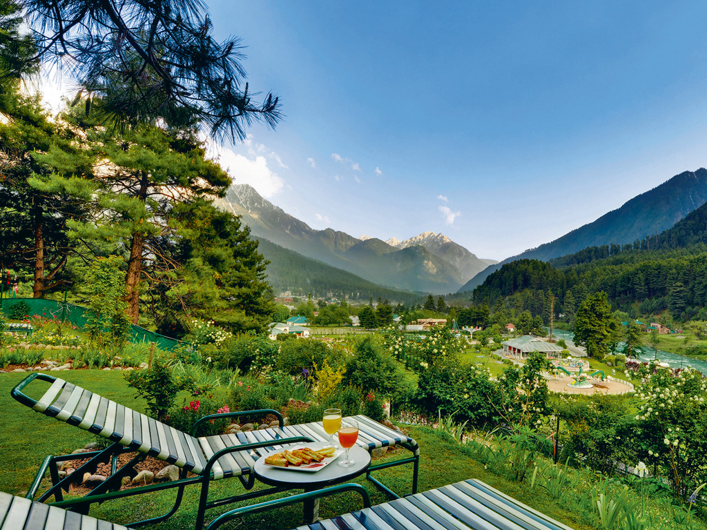 In Pahalgam, Beauty Finds You 1