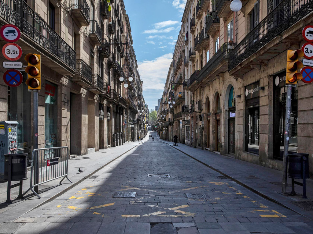Barcelona Goes from Overtourism to No Tourism 1