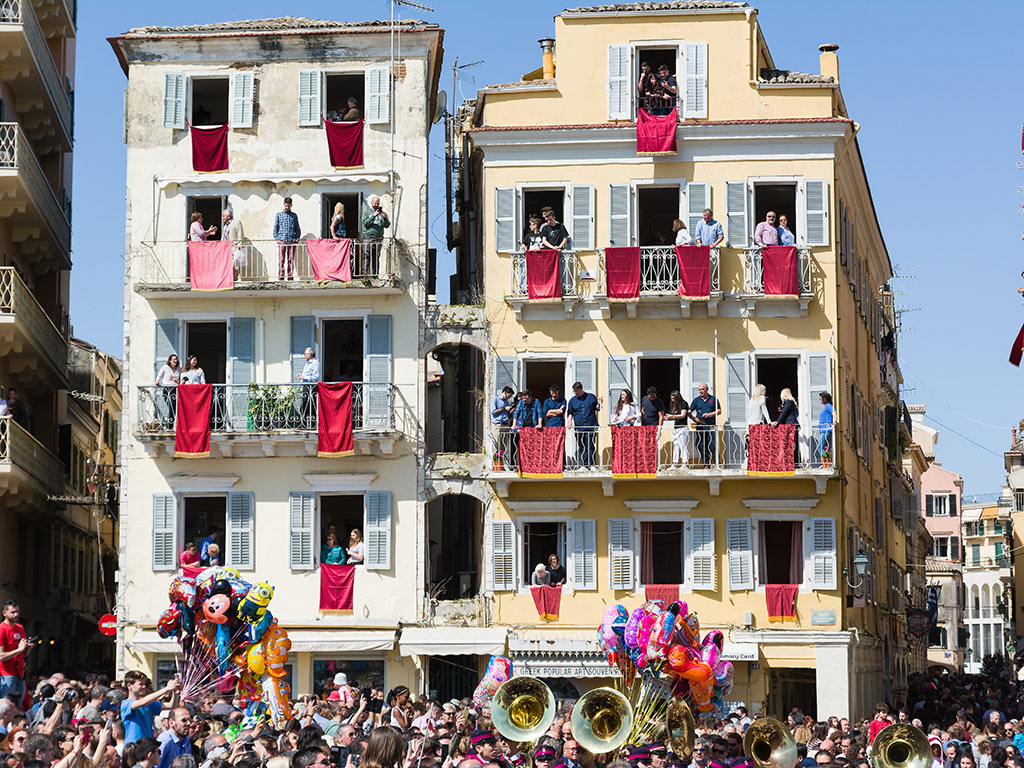 Holy Sunday: Easter Traditions from around the World 3