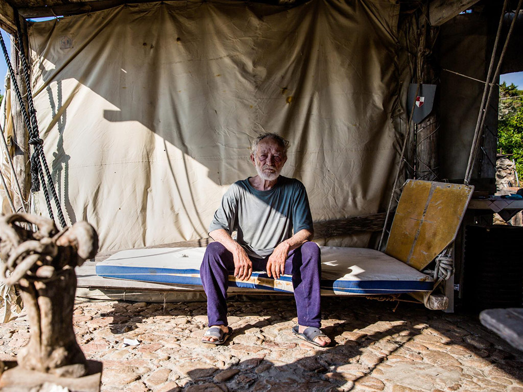 This Man Lived Alone on an Island for 31 Years 5