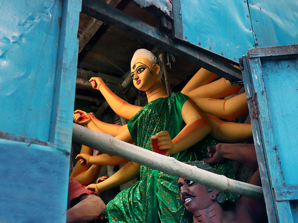 Merry in Masks: Inside Kolkata's Pandemic Puja 1