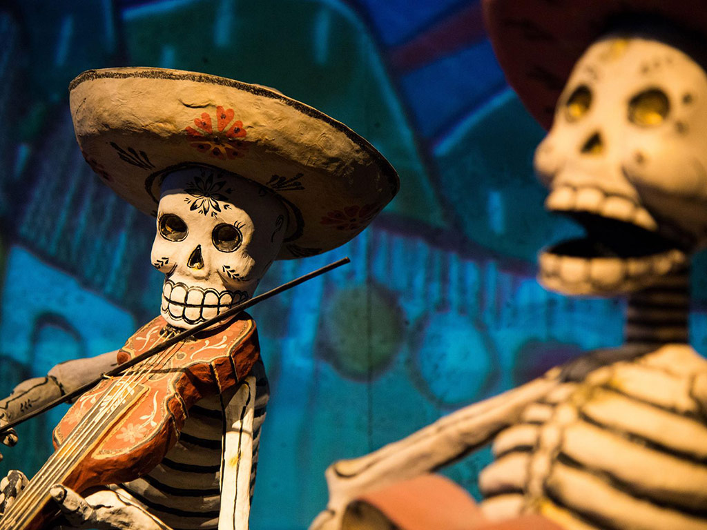Day of the Dead Celebrations: These Paper Crafts Start the Party