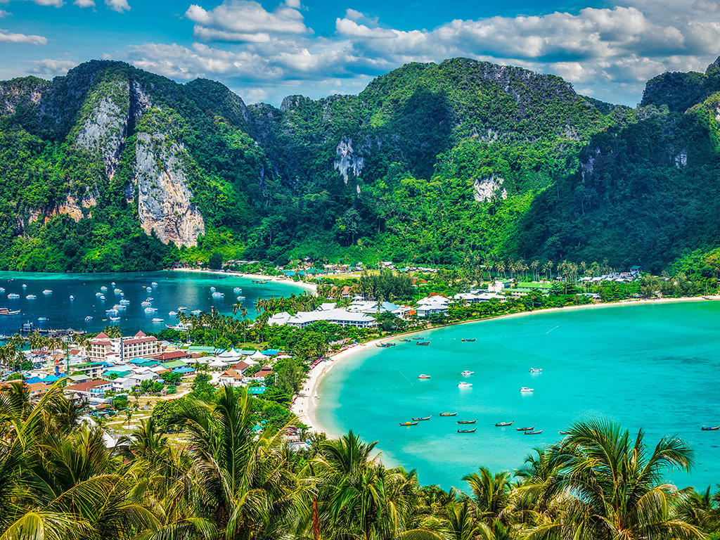 Thailand Reopens Borders to International Tourists