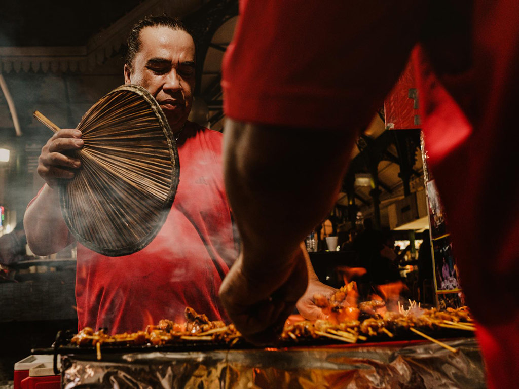 Singapore's Iconic, but Endangered, Street Food Now Has UNESCO Status 3
