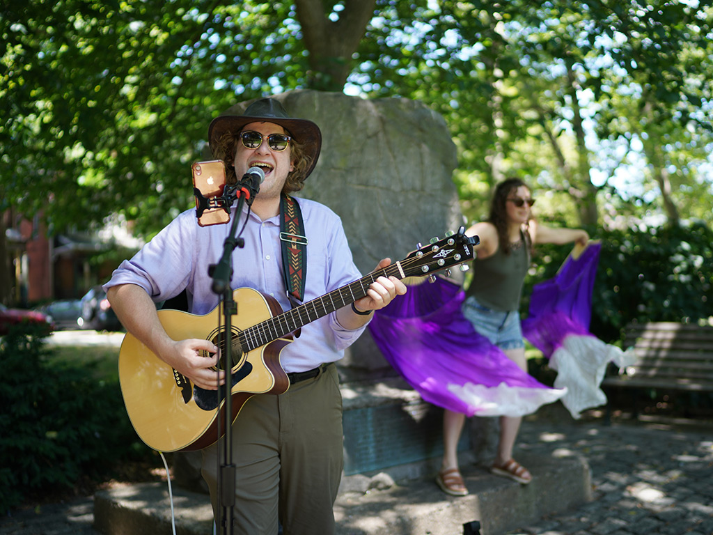 Music Man: The Diary of a Travelling American Busker 2