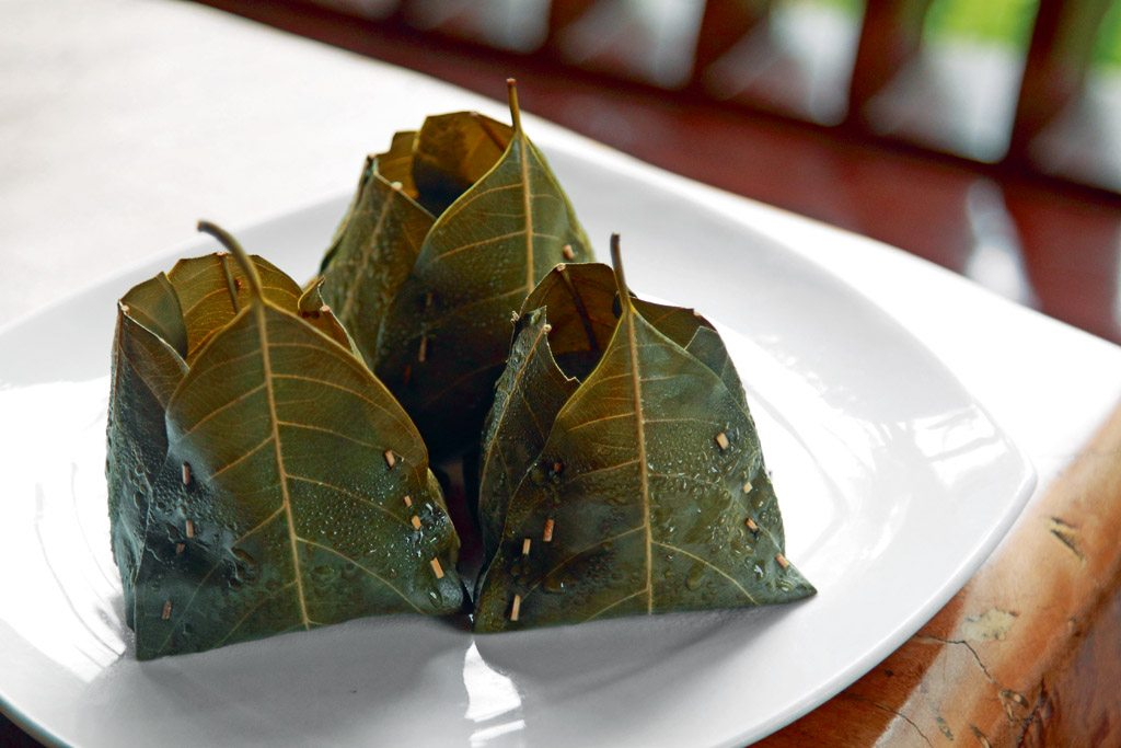 Green idlis, steamed in hibiscus leaves