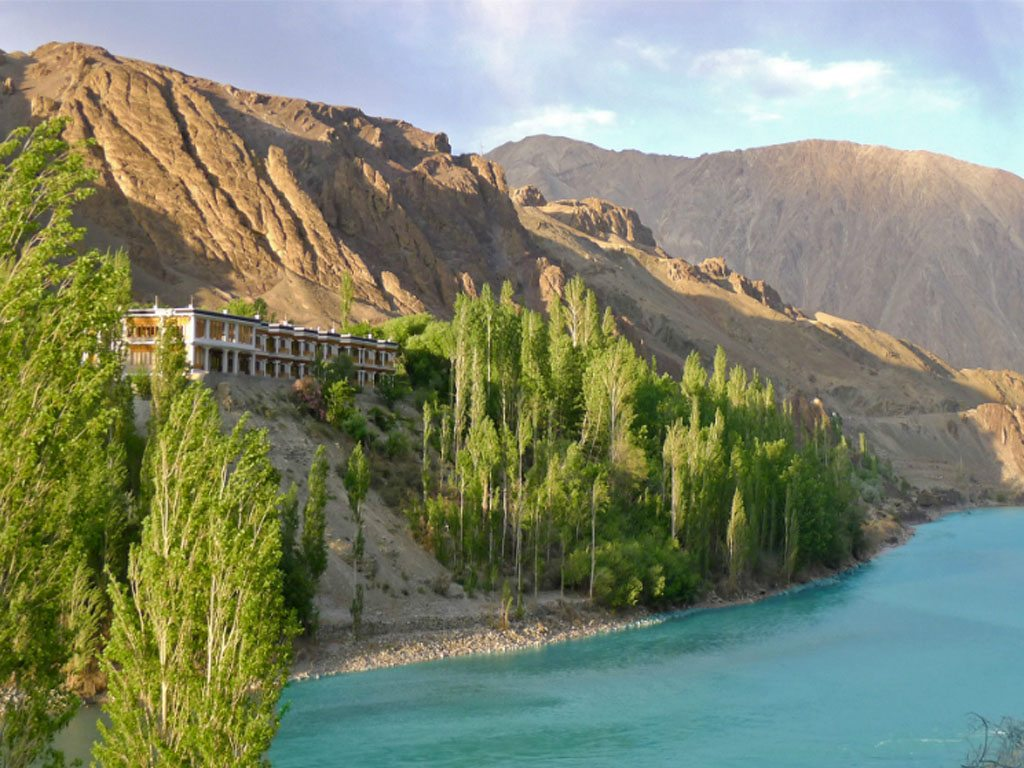 Ladakh Hotel Apricot Mountains