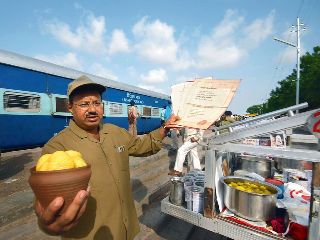 Why Indian Railway Stations Are Perfect For Food Adventures
