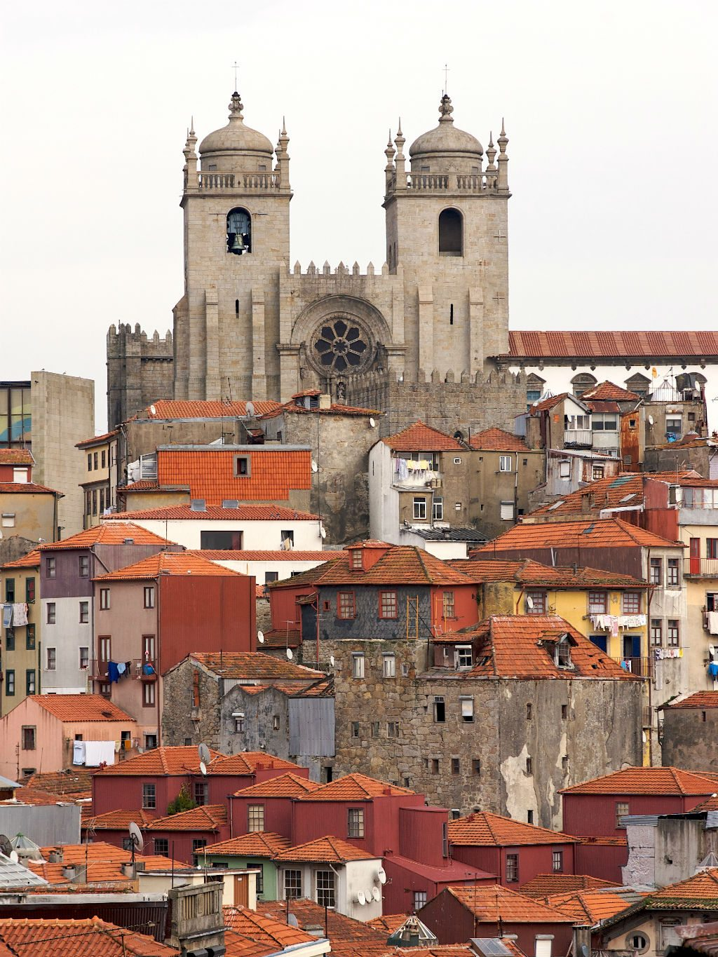 The city of Porto is like a carpet of tiled roofs. Photo: Rosino/Flickr/Creative Commons (http://bit.ly/1jxQJMa)