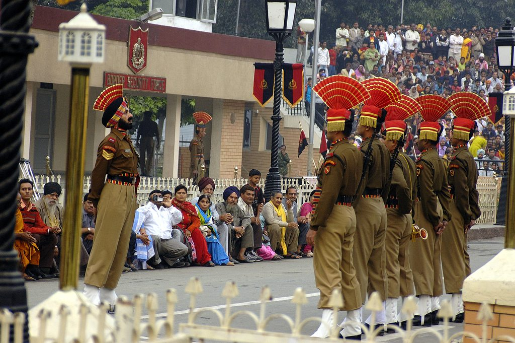 The Wagah Border Ceremony draws hundreds of visitors every evening. Photo: Giridhar Appaji Nag Y/Flickr/Creative Commons (http://bit.ly/1jxQJMa)