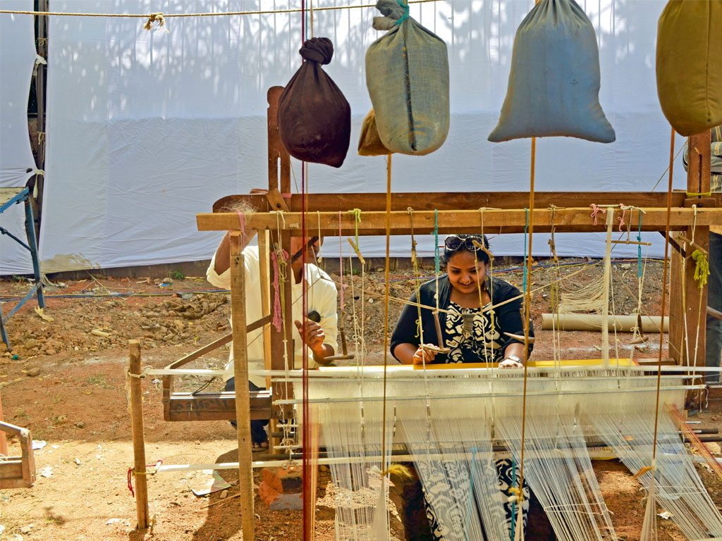 Weaving Khajuraho