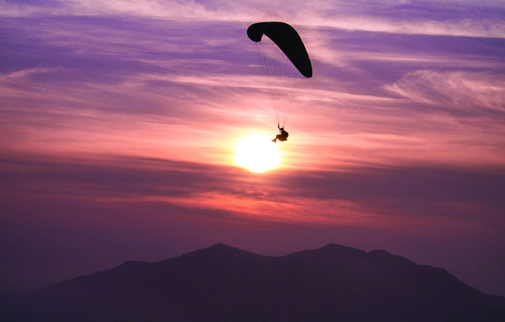 Nirvana Adventures in Kamshet offers 2- and 3-day paragliding courses for beginners, that include all meals and accommodation. Photo courtesy Nirvana Adventures
