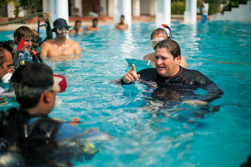 Scuba Diving Classes Bay Of Bengal Pondicherry