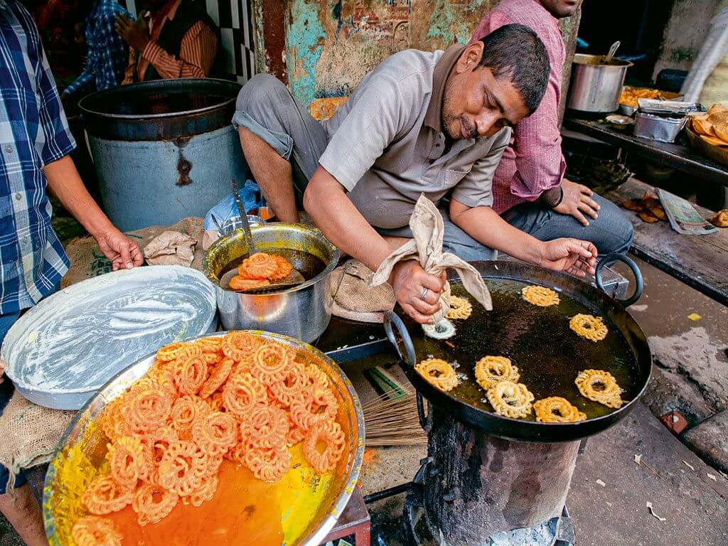 Taste of Travel: 12 Must-Try Food Walks in India, From Mumbai to Mysore