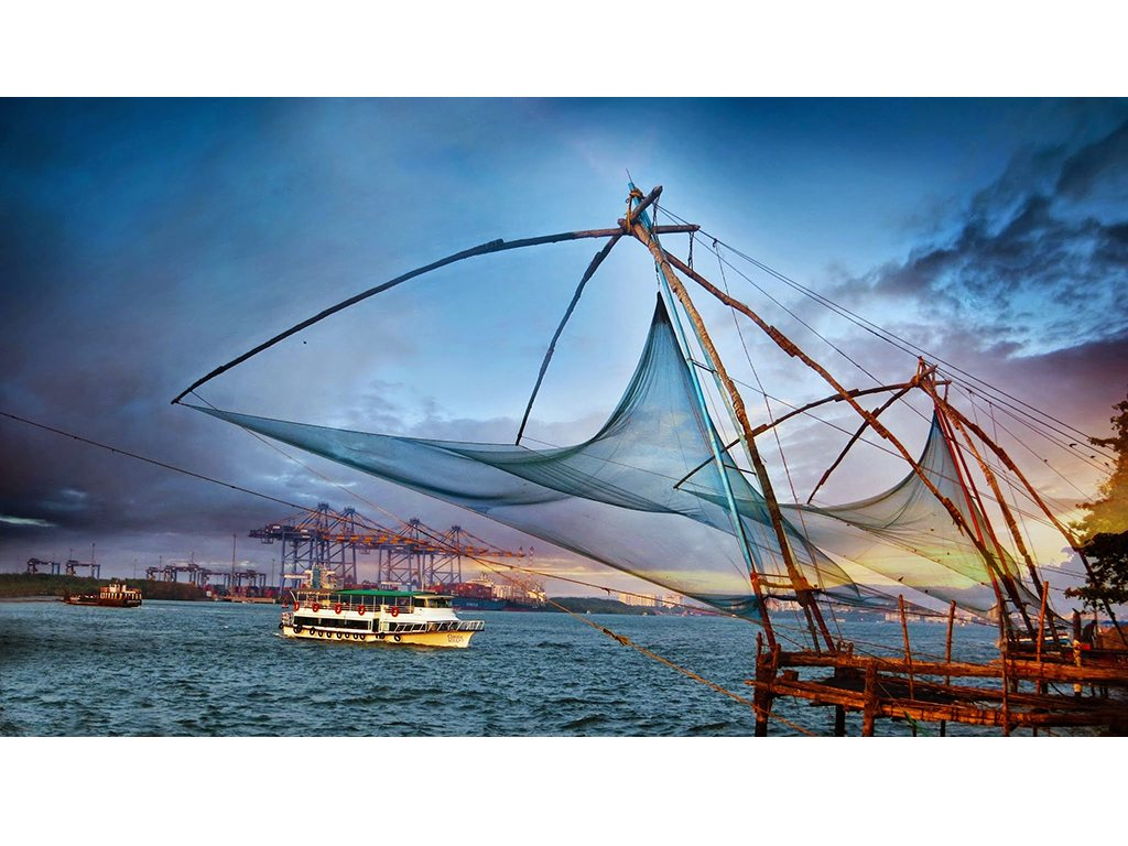 chinese fishing nets in fort kochi in kerala