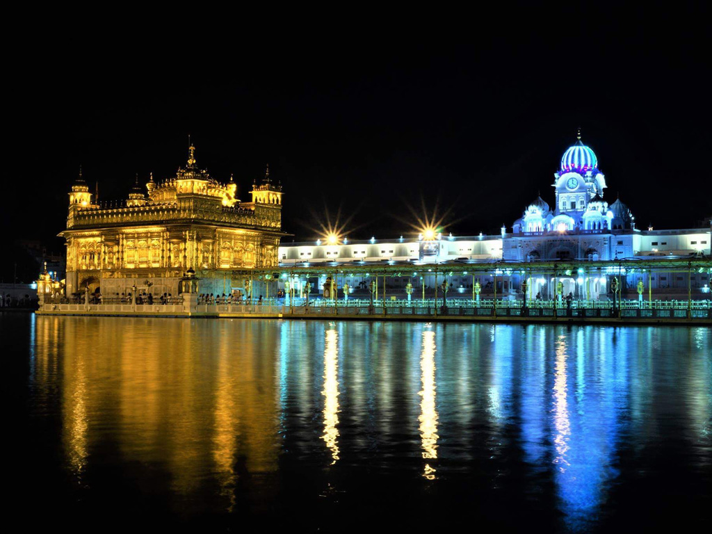 The Golden Temple in all its shining glory.