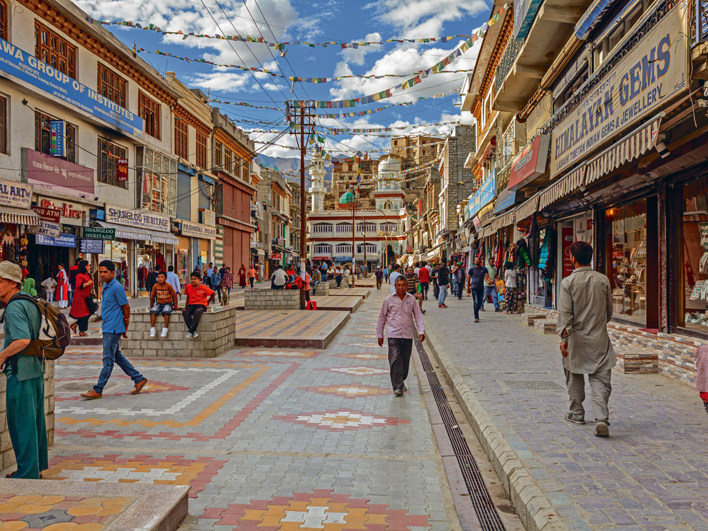 Leh market is 20 minutes away from Shey.   Photo by: Alexeys/Istock
